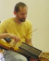 Workshop für Nyckelharpa -Schlüsselfidel für Einsteiger und Fortgeschrittene mit Marco Ambrosini