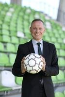 Thomas Issler: Kunden finden mit Fußball-Strategien