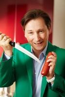 Diätwissenschaftler Sven-David Müller bringt die Kalorien-Ampel heraus