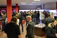 Multimediaspezialist Zenec eröffnet die ersten Zenec-Stores
