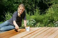 Die Gartensaison ist eröffnet: Frühjahrstipps für Gartenmöbel und Holzterrassen