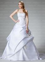 JJsHouse präsentiert die neue Kollektion Brautkleider und Brautjungfernkleider