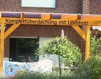 Ein Komplettdach mit Unterbau ist schnell und einfach aufgebaut