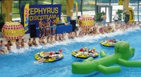 Verrückte Poolparty im aquaLaatzium