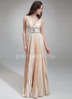 JennyJoseph bietet die neue Kollektion Brautkleider und Brautjungfernkleider an