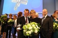Felix Burda Stiftung verleiht Daniel Bahr den Milestone Award. Engagement von Uschi Glas und Erol Sander gewürdigt.