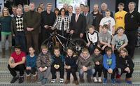 """Wertgarantie: Radclub-Förderkreis spendiert 100 Fahrräder im Rahmen von """"Aktion Schoolbike - Räder an die Schulen"""""""