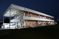 brandscape mit BMW auf der DTM-Wiederholspur