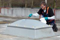 Gesicherte Lichtkuppeln: Kemperol Fallstop mit geprüfter Durchsturzsicherheit
