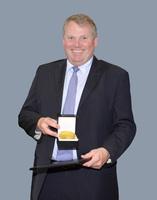 Goldene AUMA-Medaille für Hans-Joachim Boekstegers - MULTIVAC-Geschäftsführer verabschiedet sich als Vorsitzender des AUMA