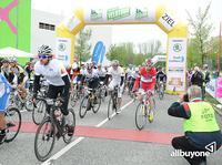 """Radrennen """"Rund um den Finanzplatz Eschborn-Frankfurt"""" mit Produkten von allbuyone ausgestattet"""