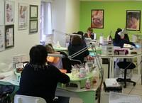 Zusatzumsatz für Coiffeure, Kosmetik- und Nagelstudios in der Schweiz, Deutschland und Österreich