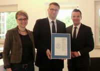 vfm meldet für 2012 Provisionserlöse von 19,1 Mio. Euro und erhält CrefoZert
