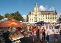 Keramikmarkt Oldenburg - Freiluftgalerie vor herrschaftlicher Kulisse
