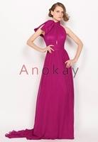 Anokay fertigt exklusive Abendkleider auch für das OEM-Segment