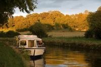 Goldenen Herbst auf dem Hausboot erleben