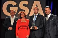 Dr. Dieter Zetsche, Vorstandsvorsitzender der Daimler AG, mit dem Deutschen Rednerpreis der German Speakers Association ausgezeichnet