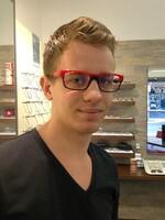 Mit Christopher Füller steht bereits die zweite Generation Augenoptiker am Start