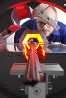 Drillhole Inspection macht das automatische Applizieren von Türdichtungsprofilen sicher