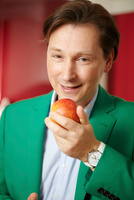 Abnehmen wie im Schlaf mit dem neuen Buch von Sven-David Müller: Wir essen uns schlank