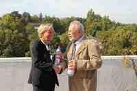 Mineralbrunnen aquaRömer unterstützt Tafel in Baden-Württemberg langfristig