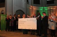 Sutor-Bank-Partnerin Simone Bruns veranstaltet Benefiz-Auktion