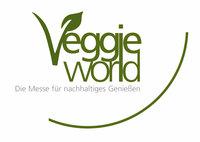 Tierrechtsaktivist Prof. Dr. Klaus Petrus auf der VeggieWorld, der größten deutschen Messe für Vegetarier, Veganer und Rohkost-Freunde