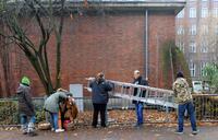Berliner Dachbesetzer: Leiter kommt unter den Hammer