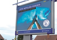 Sportlich-mediale Partnerschaft: Schalke 04 setzt auf 1-2-3-Plakat.de