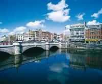 Rundreisen durch Irland mit dem Auto vereinen Natur und Kultur