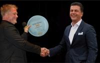 POWERGROUP-CEO Honorarkonsul Dr. Poetis erhält den Tafel-Teller 2013 für jahrelanges Engagement