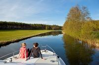 Vor Weihnachten noch an Ostern denken: Frühjahrsurlaub auf einem Hausboot