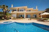 Port Adriano im Südwesten Mallorcas erhält weitere Anlegestellen und ein Schwimmbad.