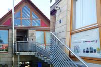 Schneekugelhaus: Onlineshop eröffnet Pop-Up-Store zur Adventszeit