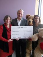 amor GmbH spendet 10.000 Euro an die Bärenherz Stiftung