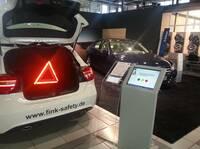 Kundenbefragung im Einzelhandel: e-QSS Touch im Einsatz für ADAC und Mercedes