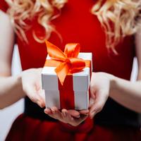 """Last-Minute Weihnachtsgeschenke mit dem """"Beziehungs-Butler"""" finden"""