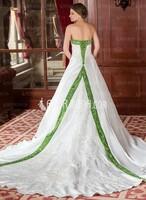 Shoppen Sie bemerkenswerte Brautkleider und Ballkleider von AmorModa