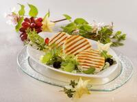 Käse-Convenience von Frischpack auf der  Internorga 2014 - Käse-Scheiben, -Würfel, -Stiftel oder Reibekäse für leckere Gerichte aus der Großküche