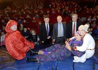 Anwaltskanzlei Eimer Heuschmid Mehle schenkt Kindern 100 Freikarten für einen Besuch im Jungen Theater Bonn