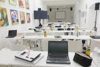 """Ellen Kamrad veranstaltete Produktpräsentation in der Eventhalle """"Die Kunstagentin"""""""