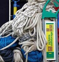 Wohin damit?   Bootseigner suchen einen trocken Platz für das Yachtzubehör.