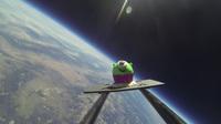 Einfach himmlisch: kleiner Cupcake erobert das Weltall