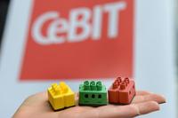 CeBIT - digitalSTROM zeigt neue Services rund um das vernetzte Haus und verbindet das Smart Home mit der Cloud