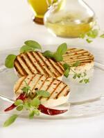 Frischpack startet mit seinem Grill- und Bratkäse in die Saison  - Gastronomen setzen auf Fleischalternative