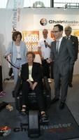 "Verbraucherschutz-Minister Heiko Maas und Sport-Ministerin Monika Bachmann testen Fitness-Sessel ""ChairMaster"""