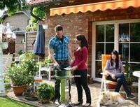 Grillprofi: Holzkohle oder Grillbriketts - Nützliche Tipps für den Start in die Grillsaison