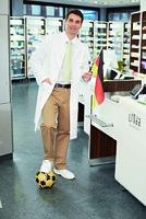 LINDA Apotheken machen Fußball-Fans WM-fit