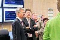 Wirtschaftsminister Meyer besucht die Raffinerie Heide