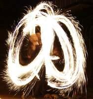 MAD-HIAS und seine Feuershow - ein vielseitiger Feuerkünstler